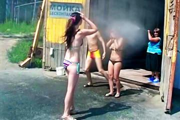 Summer bash with slutty college chicks