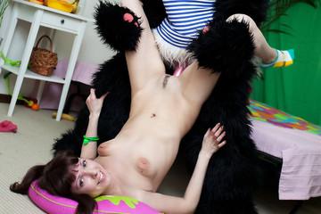 Teen girl masturbating with fruits